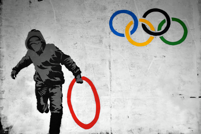 Olympicart_stealing ring